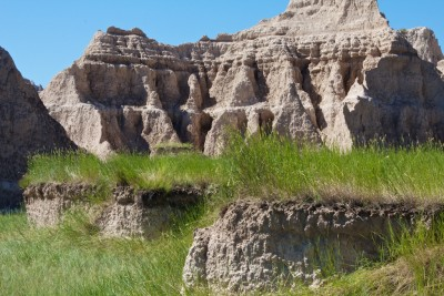Badlands National Park white rocks with grasses July 2011 (1)