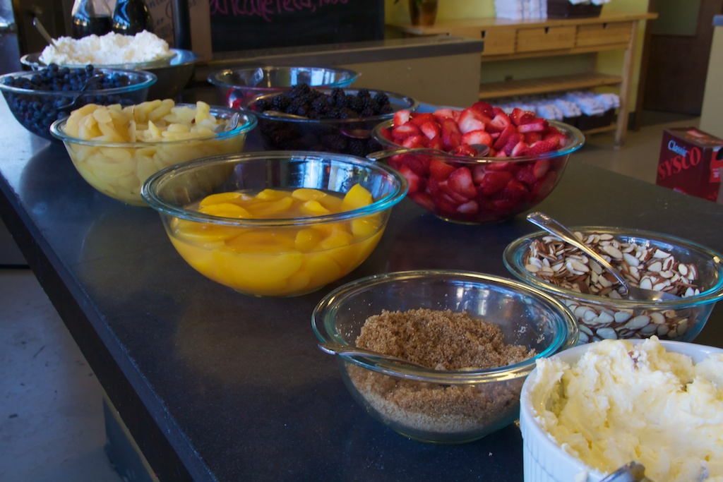 Portage Bay, a large cafe near Ballard Locks, offered a toppings bar with French toast and such. Here it is.