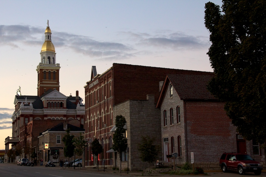 Dubuque gold dome from corner of Main and 4th Iowa Sept 2012